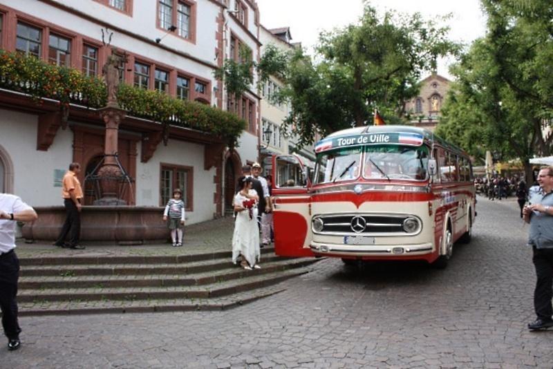 oldtimerbus mieten oldtimer bus vermietung raum mannheim heidelberg stuttgart karlsruhe. Black Bedroom Furniture Sets. Home Design Ideas