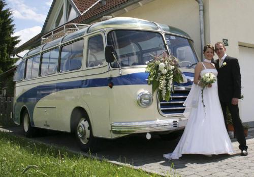 Oldtimerbus mieten München Hochzeitsbus